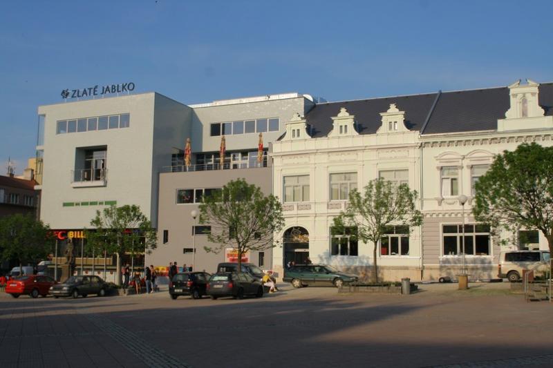 Obchodní a zábavní centrum Zlaté jablko -